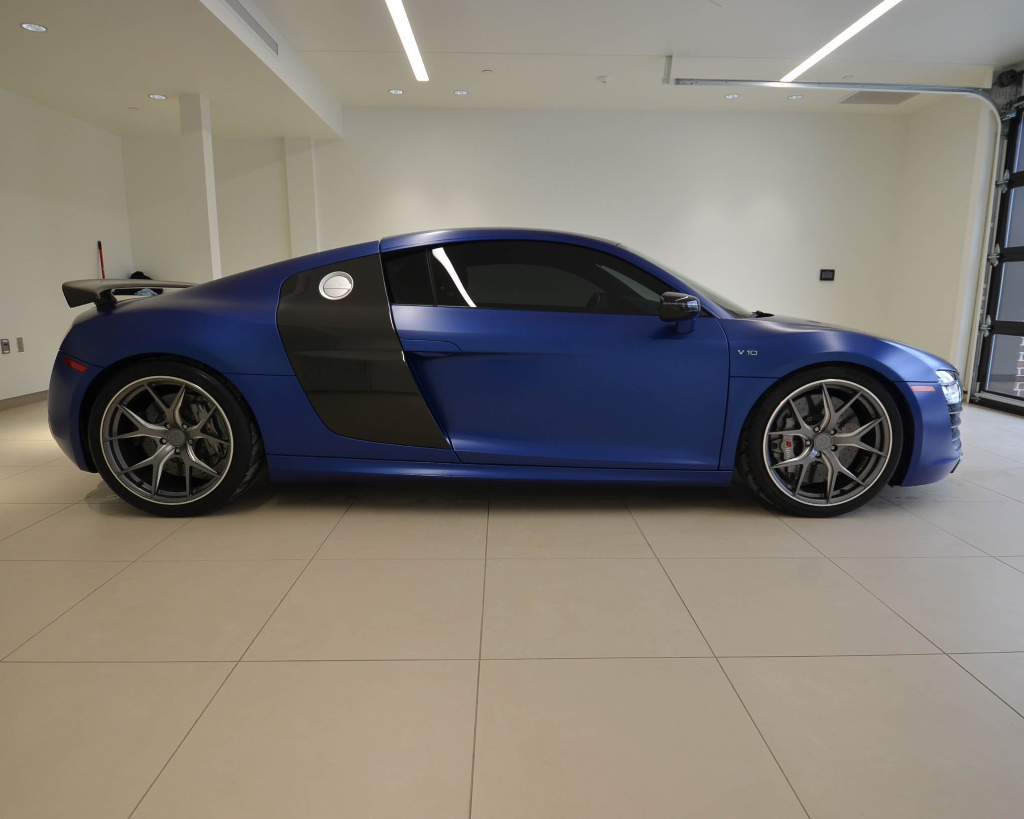 Pre-Owned 2015 Audi R8 V10 plus